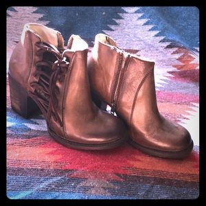 FREEBIRD by Steve Madden ankle boots.